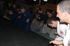 Emotivo ritual dirigido por Sergio Sensei en el que TODOS participantes, publico y Maestros participaron.