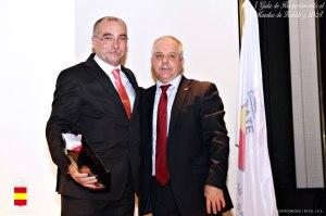 Recogiendo mi galardón de manos de presidente de la RFEK, Antonio Moreno.